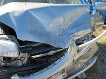Skadad bil från olycka Arkivbild