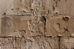 Skadad sandtegelstenvägg Royaltyfria Bilder