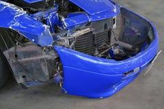 skadade bilar efter sammanstötning Fotografering för Bildbyråer