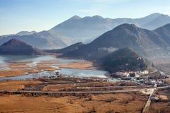 Skadar sjö och Virpazar i Montenegro Royaltyfria Foton