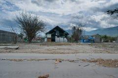 Skadlig läge orsakade vid tsunamin i Palu royaltyfria bilder