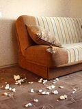 skadlig sofa Arkivbild