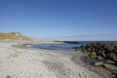 Skagen (Дания) - прибрежная линия с бункером Второй Мировой Войны Стоковые Изображения RF