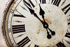 Skala der alten antiquarischen Uhr Stockbild