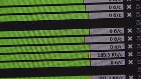 Skala von ladenden Dateien durch ftp Video vom Bildschirm Laden Sie herunter oder laden Sie eine Datei stock footage