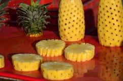 Skalad ananas Arkivbild