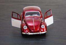 Skalaleksakmodell VW Volkswagen Beetle Royaltyfria Foton
