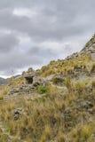 Skalista góra przy Quilotoa kraterem, Latacunga, Ekwador Zdjęcia Stock