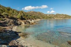 Skalista linia brzegowa pustyni des Agriates w Corsica Zdjęcie Royalty Free