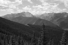 Skaliste góry zbliżają Osikowego Kolorado zdjęcie stock