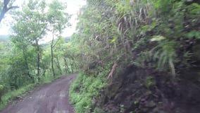 Skalistej góry przesmyka zygzag niewygładzona wijąca droga na falezach Cordillera zbiory