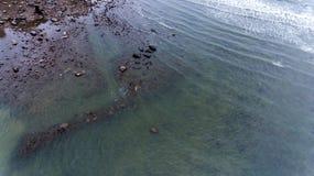 Skalistej plaży brzeg Obrazy Royalty Free