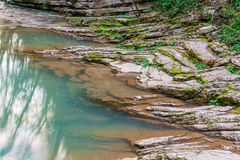 Skalisty brzeg Agura rzeka Zdjęcia Royalty Free