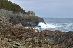 Skalisty brzeg blisko kieszonki zatoczki zdjęcie stock
