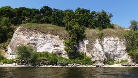 Skalisty brzeg rzeki fotografia stock