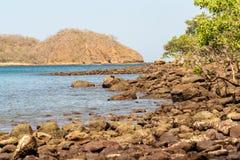 Skalisty brzeg w Costa Rica zdjęcie royalty free