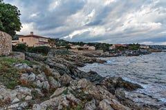 Skalisty brzegowy Francja zdjęcie stock