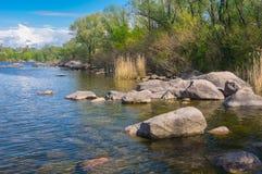 Skalisty Dnipro brzeg rzeki na Khortytsia wyspie w Zaporizhia mieście, Ukraina Zdjęcie Royalty Free