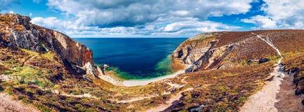 Skalisty krajobraz przy nakrętką De Los angeles Chevre, Finistere dział, Parc Zdjęcia Royalty Free
