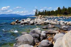 Skalisty Linia brzegowa jezioro Tahoe Obrazy Stock