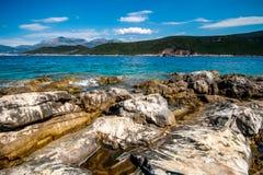 Skalisty morze koszt Montenegro zdjęcie stock