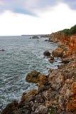 Skalisty seashore krajobraz od Czarnego morza zdjęcie royalty free