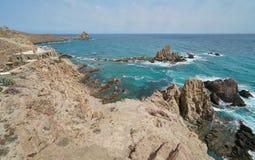 Skalisty wybrzeże przy przylądkiem de Gata Almeria Hiszpania obrazy stock