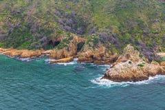 Skalisty wybrzeże w południowym Africa zdjęcie royalty free