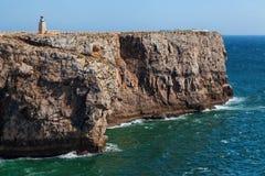 Skalisty wybrzeże blisko Sagres, forteczny Fortaleza De Sagres, Algarve, Portugalia Obraz Royalty Free