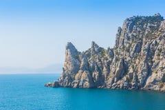 skalisty wysoki przylądek nad morze zdjęcia royalty free