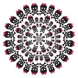 Skalle med en rosa pilbåge på vit bakgrund Royaltyfri Bild