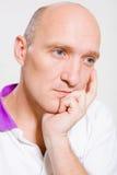 skallig manstående Arkivbild
