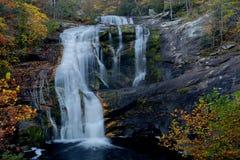 Skalliga flodnedgångar i Oktober, Tellico slättar, TN USA Royaltyfri Fotografi