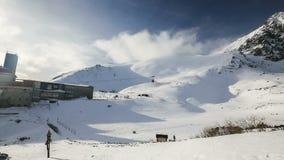Skalnate Tarn και μέγιστα, υψηλά Tatra βουνά Lomnicky, Σλοβακία, Ευρώπη απόθεμα βίντεο