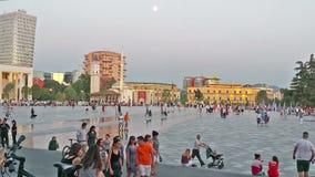 Skanderbeg ajusta, la plaza principal en Tirana, Albania almacen de metraje de vídeo