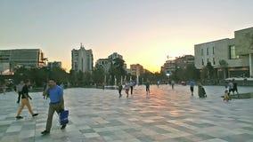Skanderbeg kvadrerar, den huvudsakliga fyrkanten i Tirana, Albanien lager videofilmer