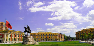 Skanderbeg-Quadrat in Tirana stockfotos