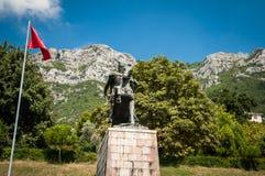 Skanderbegmonument in Kruje stock foto's