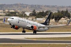 Skandinav (SAS) 737 som tar av Arkivfoto
