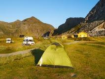 Skandinavien Norge, nordiskt ojämnt landskap, Lofoten öar arkivfoton