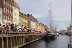 Skandinavische Flaggen in Nyhavn, Kopenhagen, Dänemark stockfotografie