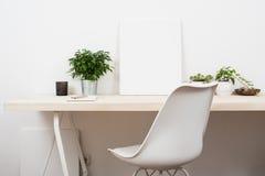Skandinavische stijl start het werkruimte stock fotografie