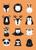 Skandinavische vectorkinderenillustratie Hand-drawn baby zwart-witte dieren op de oranje achtergrond Herten, vos, luiaard, rhi stock illustratie