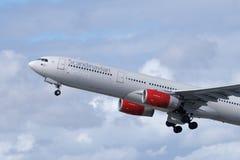 Skandinavisk flygbolagSAS flygbuss A330 royaltyfria foton