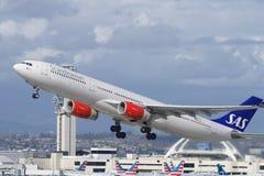 Skandinavisk flygbolagSAS flygbuss A330 royaltyfri foto