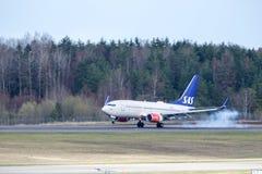 Skandinaviska flygbolag, SAS, Boeing 737 landning Arkivbilder
