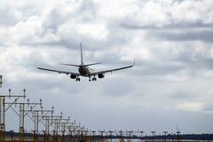 Skandinaviska flygbolag, SAS, Boeing 737 landning Arkivfoton