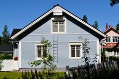 Skandinaviskt privat hus royaltyfri foto