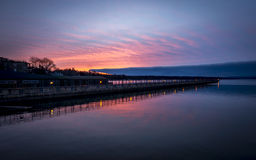Skaneatelesmeer Pier Sunrise Stock Foto