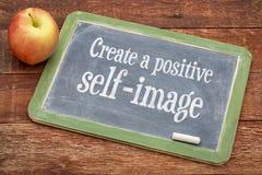Skapa den positiva självbilden arkivfoton